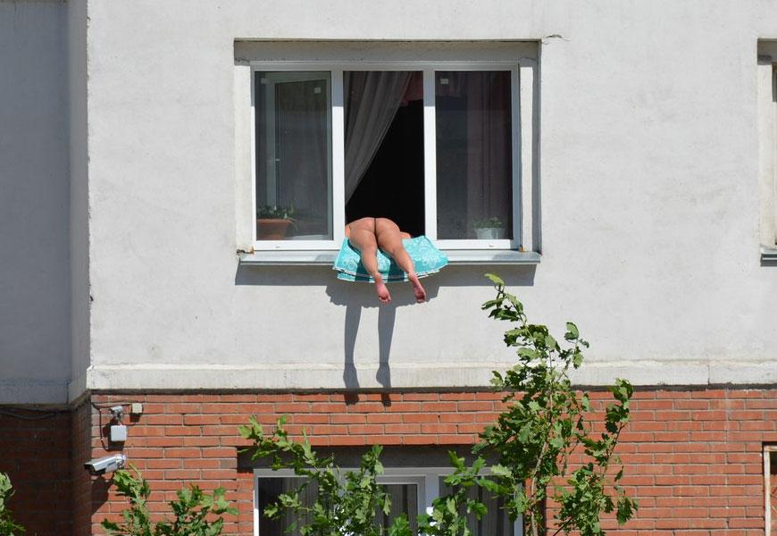Милфы соседки по балкону фото фильм секс